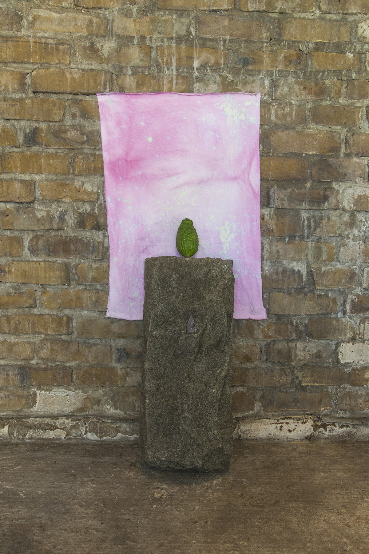 Blade / Lime Deep Field Altar — Found stone block, kaffir lime, slate flake and dyed cotton, 2019.